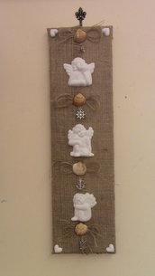 quadretto shabby chick creato a mano con gessetti profumati conchiglie e ciondoli argentati