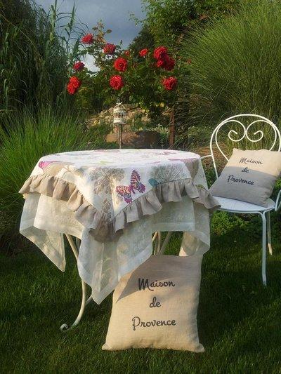 Tovaglia in lino in stile provenzale
