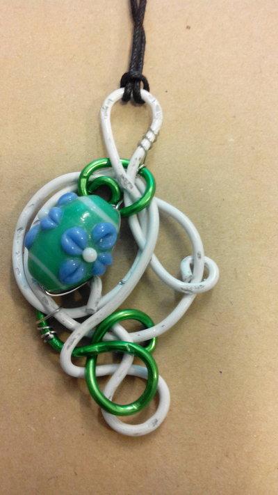 ciondolo wire - verde e bianco