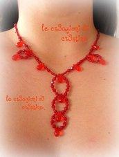 Girocollo elegante con perline e gocce rosso capodanno