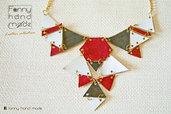 Parure – collana dalle forme geometriche in tre colori con orecchini