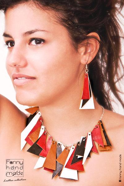 Parure – collana e orecchini – triangoli in quattro colori