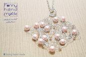 Ciondolo in filo di metallo con perline e cristalli  rosa