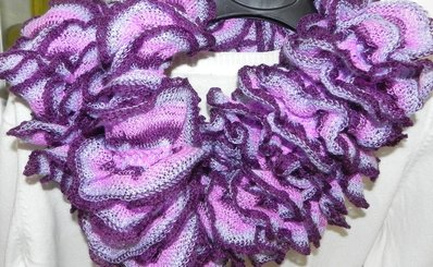 Sciarpa handmade nei  toni del viola rete stretta