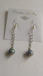 Orecchini lunghi perle grigie