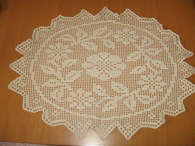 centro tavola uncinetto color avorio