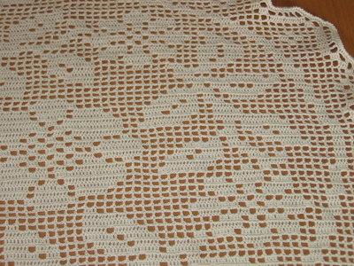 Centro tavola uncinetto color avorio donna accessori - Centro tavolo all uncinetto ...