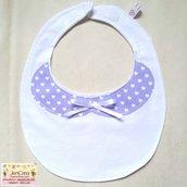 1 Bavaglino elegante bambina sfondo bianco colletto lilla a pois cuori bianchi