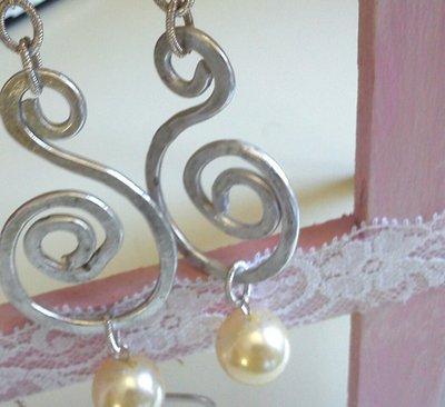 Orecchini perle e alluminio