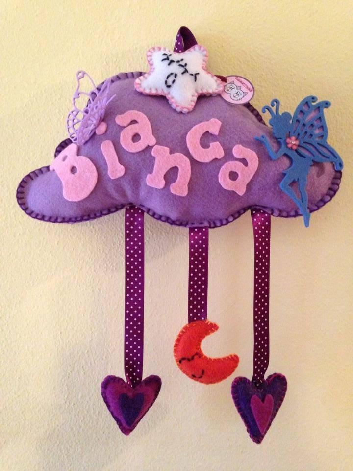 Nuvoletta con farfalla, fatina e cuoricini (fiocco nascita o fuori porta della cameretta)