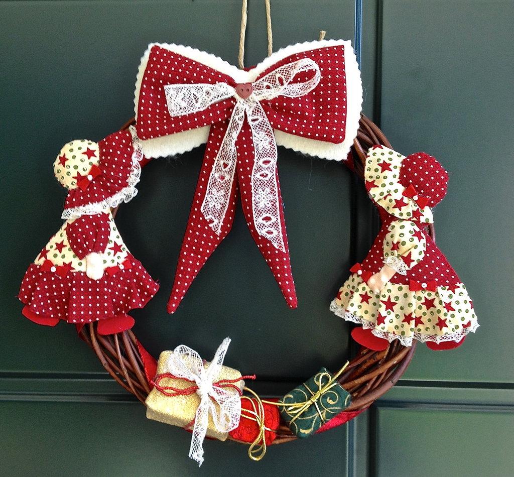 Natale ghirlanda bambolina sue feste natale di fantasy work su misshobby - Ghirlanda porta natale ...
