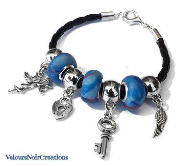 Bracciale con perle a foro largo create a mano ciondoli in argento tibetano