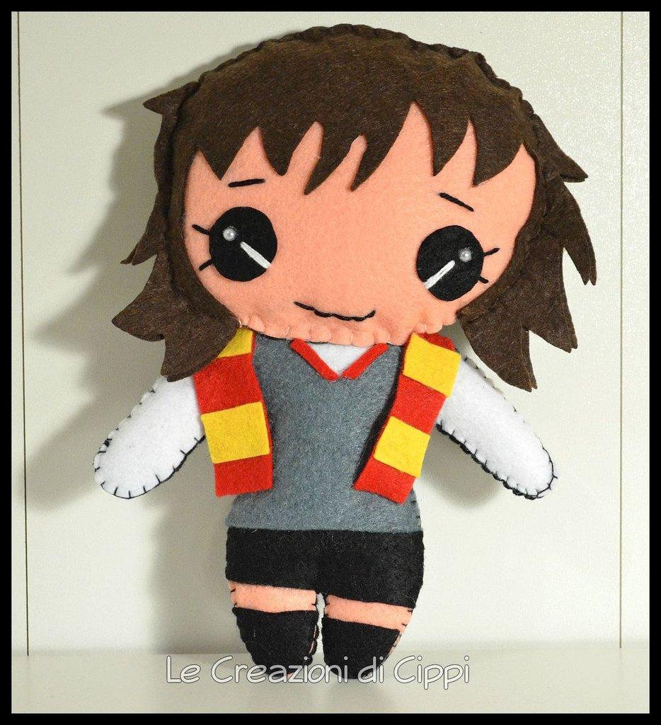 Pupazzo in pannolenci Hermione fatto a mano.