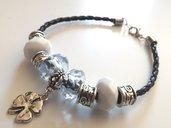 Bracciale portafortuna con perle a foro largo,pelle sintetica e elementi in argento tibetano