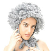 Cappello all'uncinetto in mohair