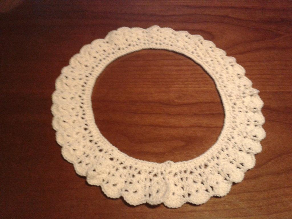 colletto di cotone ad uncinetto