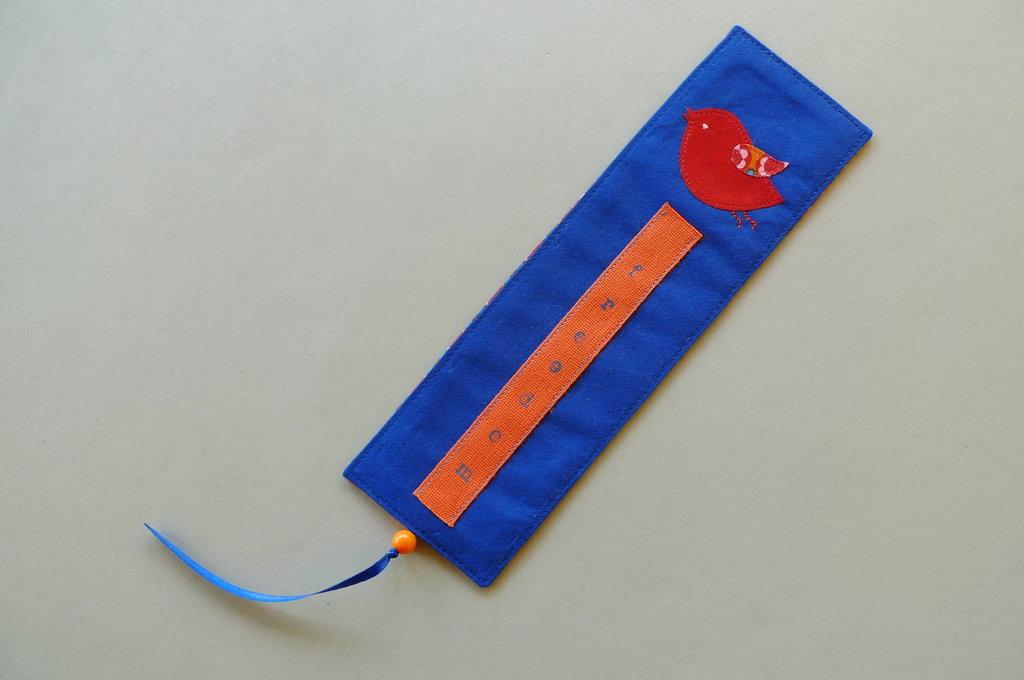 Segnalibro handmade in tessuto blu mare – freedom