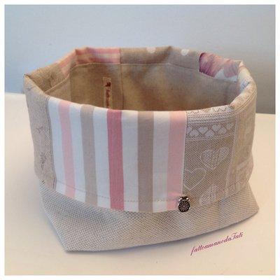 Cestino portapane  patchwork in cotone sui toni rosa ed ecrú