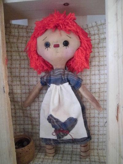 *Bambola di stoffa da collezione, Raggedy Ann*