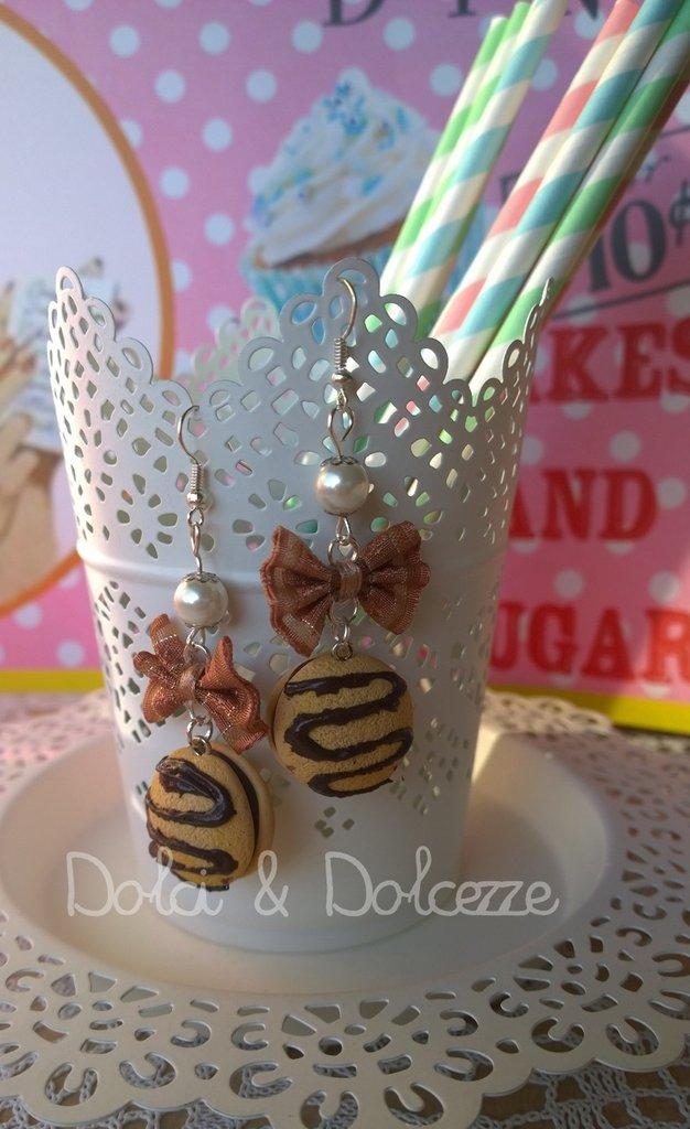 """orecchini in fimo con miniature delle merendine """" yo- yo"""""""