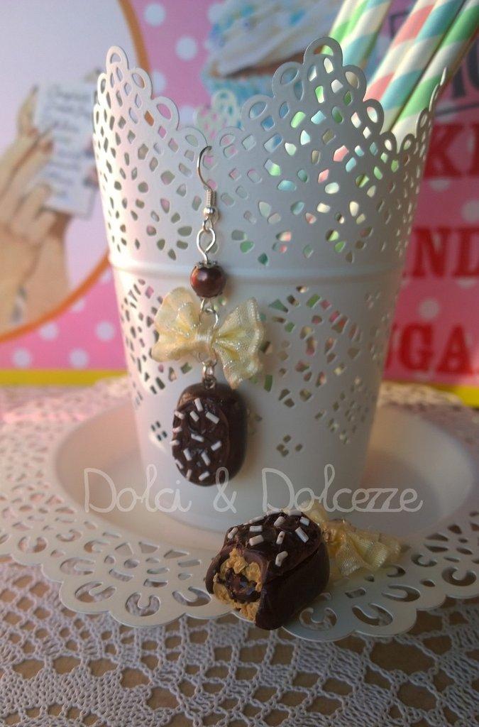 """orecchini in fimo con miniature delle merendine """" buondì """" al cioccolato"""