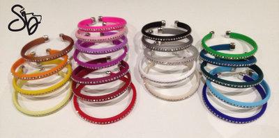 Bracciale moda in caucciù e strass - disponibile in 22 differenti colorazioni