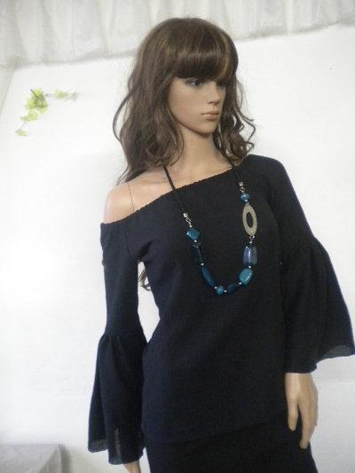 Signore camicetta nera in cotone elasticizzato - cimosa. Modello è formato