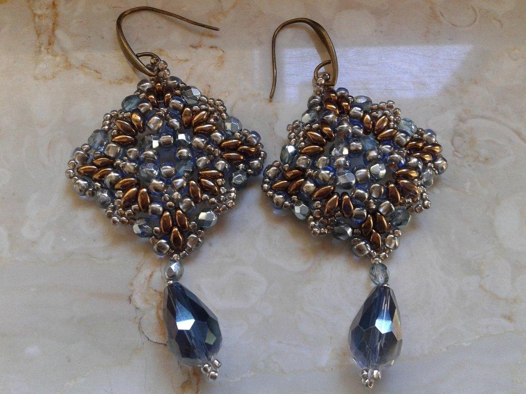 orecchini tessitura di perline con superduo e mezzi cristalli