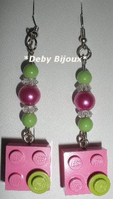 Orecchini mattoncino Lego rosa e verde e perline
