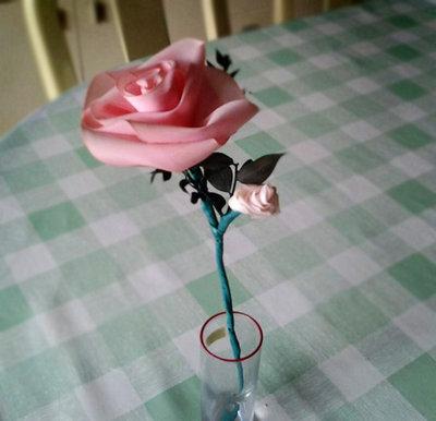 Rosellina realizzata a mano