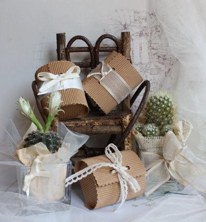 Bomboniere portaconfetti con bauletto di carta e semi
