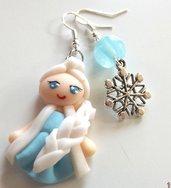 Orecchini Elsa con bambolina in fimo e ciondolo fiocco di neve