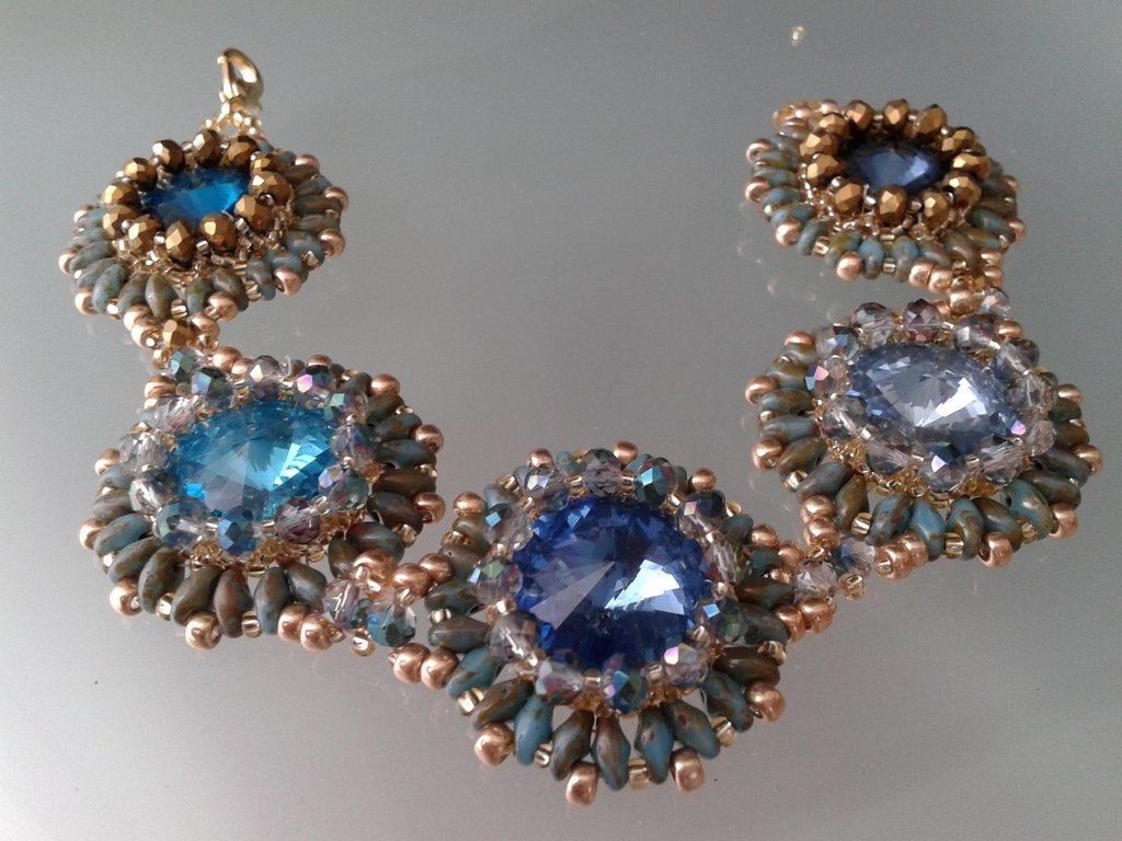 bracciale cristalli incastonati in tessitura di perline