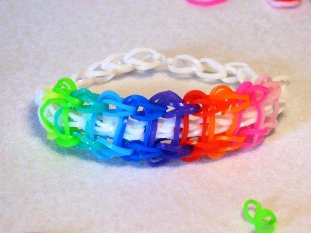 Braccialetto in elastico colorato ovali colorati