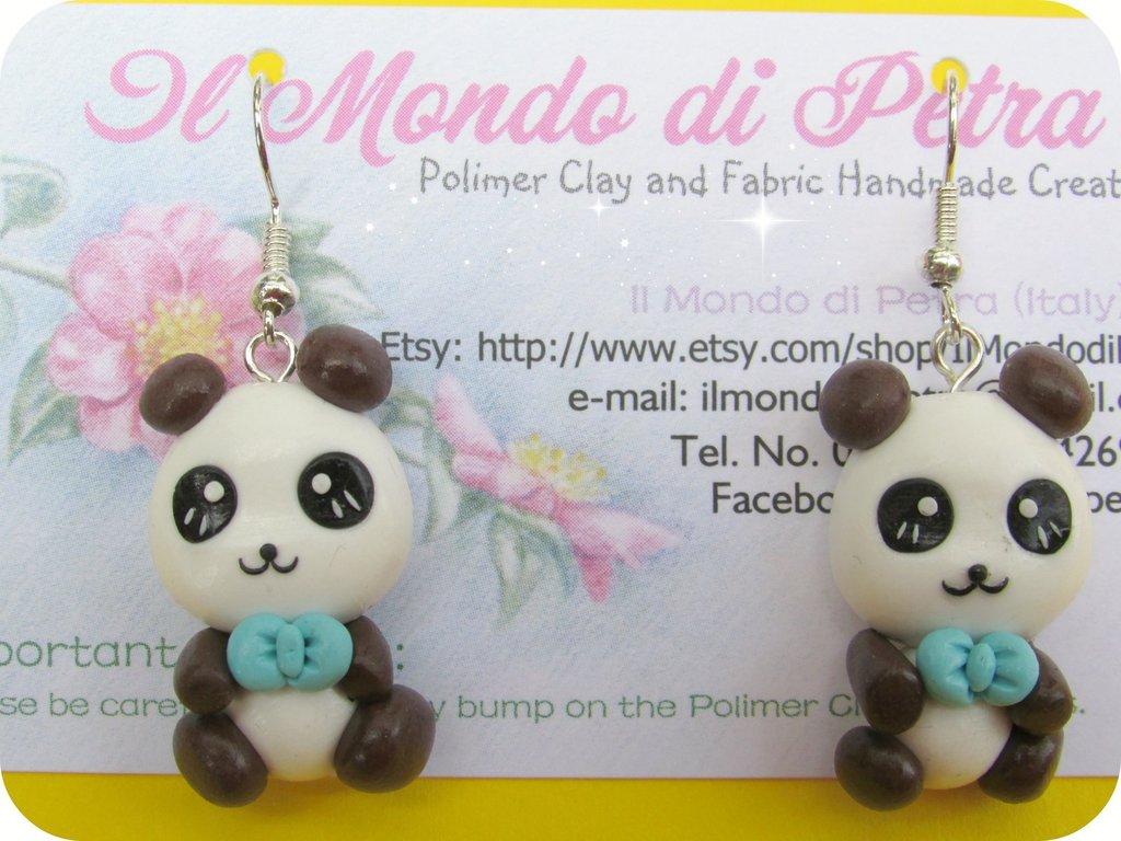 Orecchini Piccolo Panda in Fimo con Fiocco