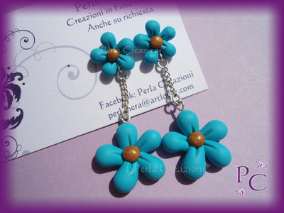 Orecchini a perno Bis di fiori - colore azzurro