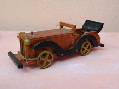 Modellino macchina d'epoca