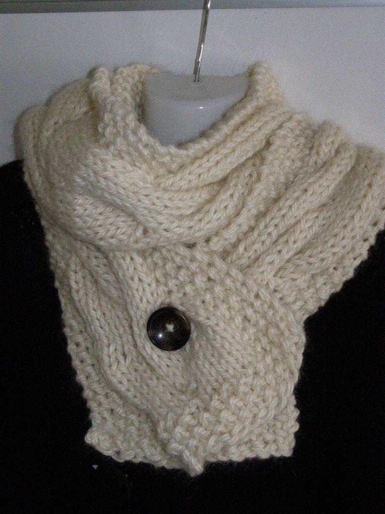 Sciarpa in pura lana con motivo a treccia