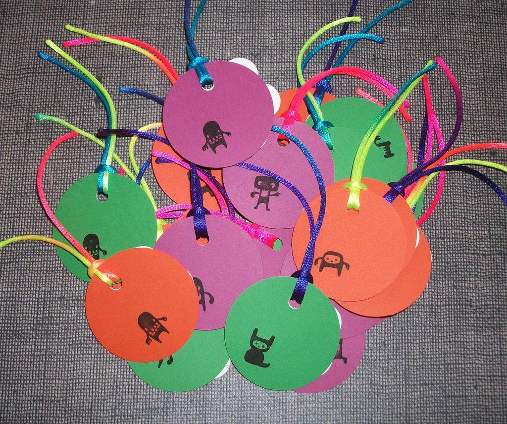 Lotto Etichette Chiudipacco Halloween Tags - Mostriciattoli&Gufetti^^ - Scrapbooking & Packaging (21pz)