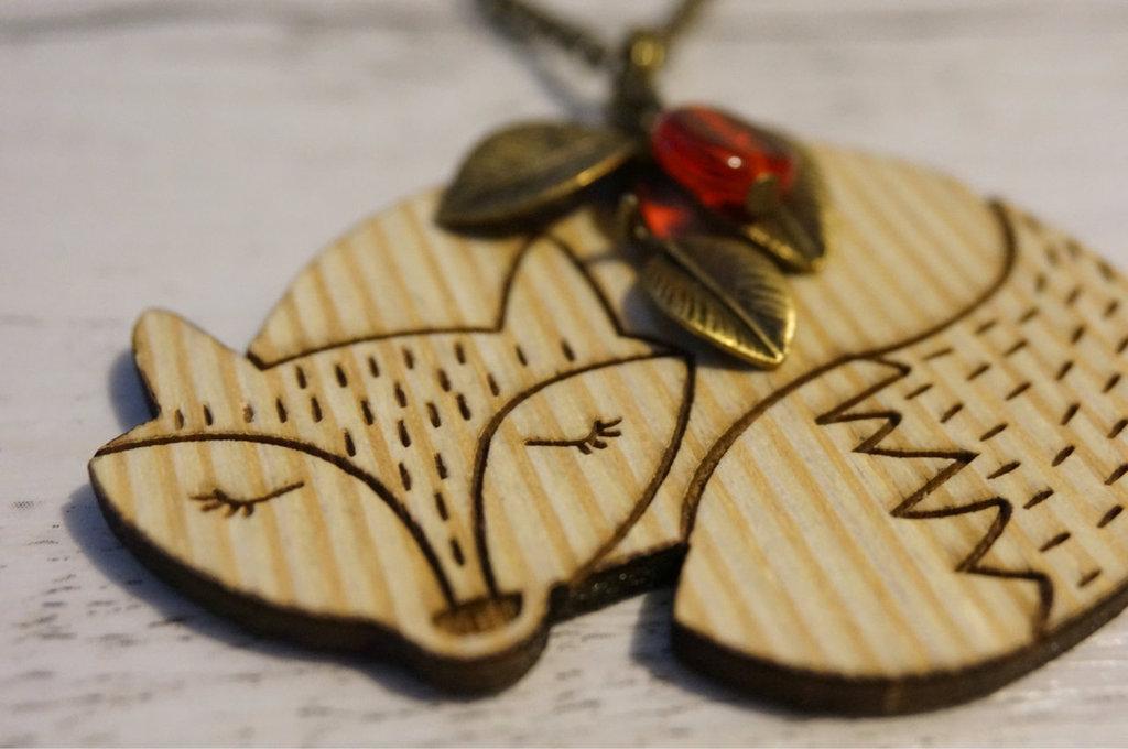 Collana Volpe in legno e bronzo fatta a mano - un aiuto agli animali abbandonati, negozio solidale pro cani e gatti