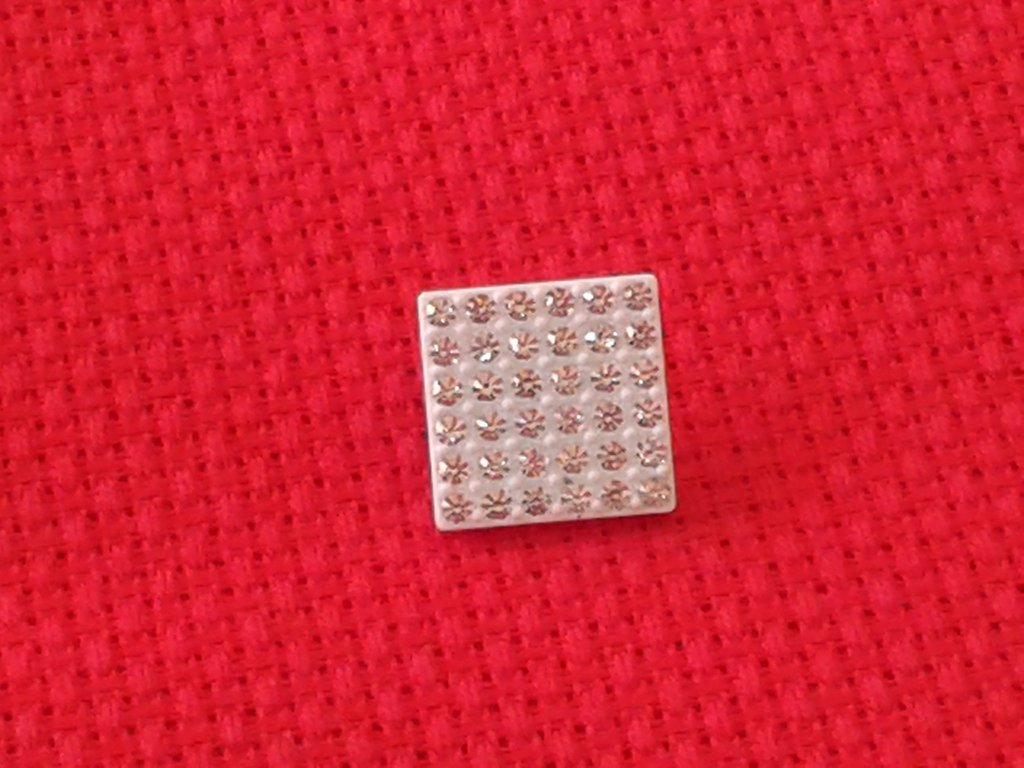 Bottone strass quadrato
