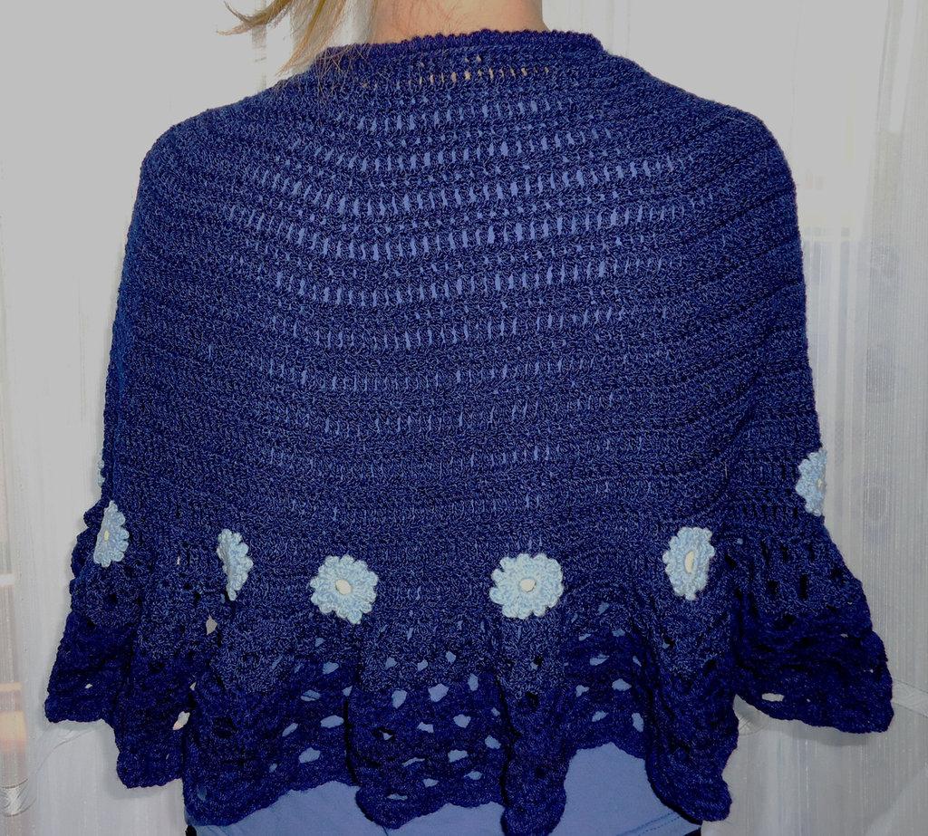 Mantellina di lana fatta a mano