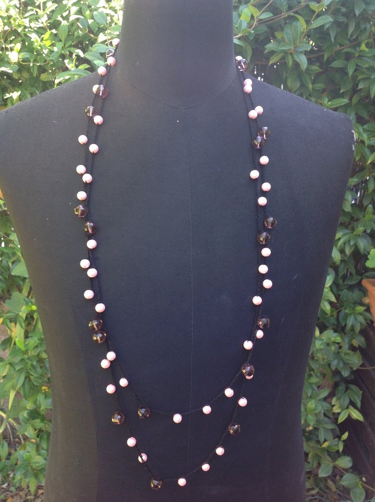 Collana ad uncinetto con perle