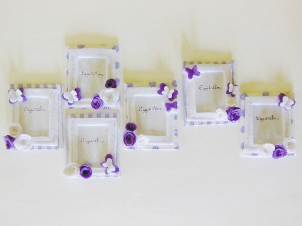 Set 60 cornici di stoffa e feltro con decorazioni 'Farfalline tra i fiori' viola e bianche: bomboniere calamita per bambine romantiche!