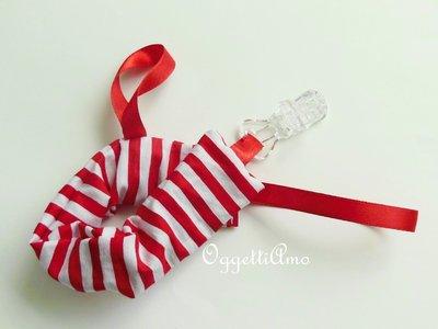 Catenella porta ciucci in cotone a strisce bianco e rosso: l'accessorio per la vostra bambina!