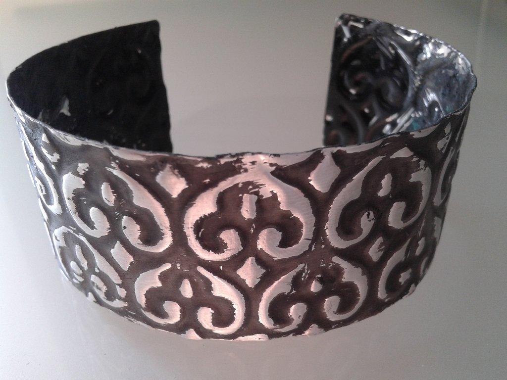 bracciale fascia di alluminio embossata