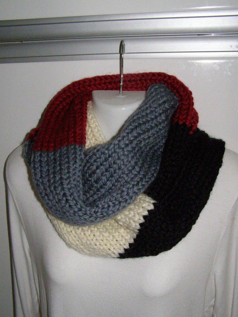 Sciarpa in lana a 4 colori