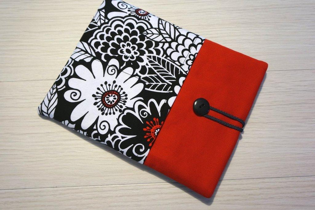 custodia Fiori Vintage per tablet o ebook reader - comunicaci il modello del tuo tablet e realizzeremo la custodia su misura!!!