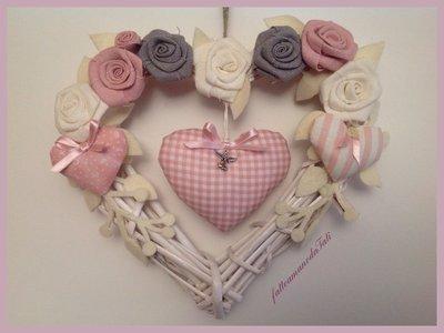 Corona/fiocco nascita con cuori e rose