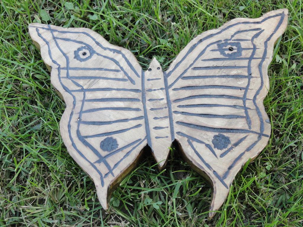 Farfalla decorativa in legno
